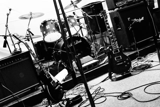 バンドマンとして役立つスキルも身につくスタジオでのバイト