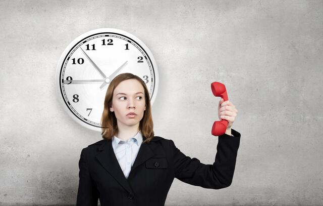 バイト応募先に電話をかける最適な時間帯とは?