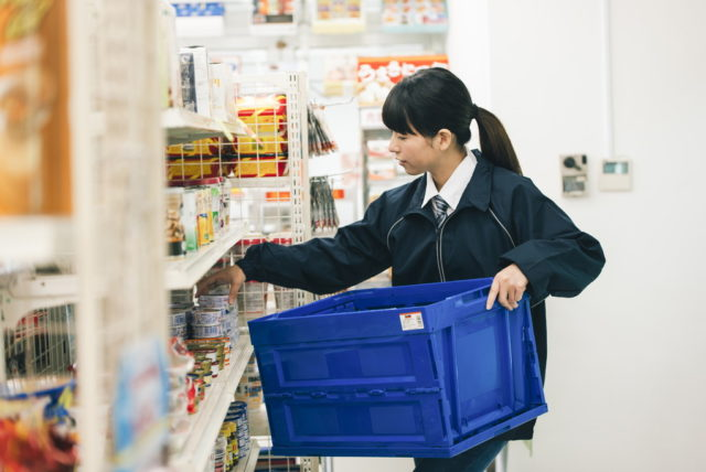 スーパーとコンビニのバイトではどちらがおすすめなの?