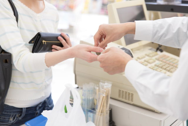 コンビニのレジ業務は難しい?どんな点に難しさを感じる?